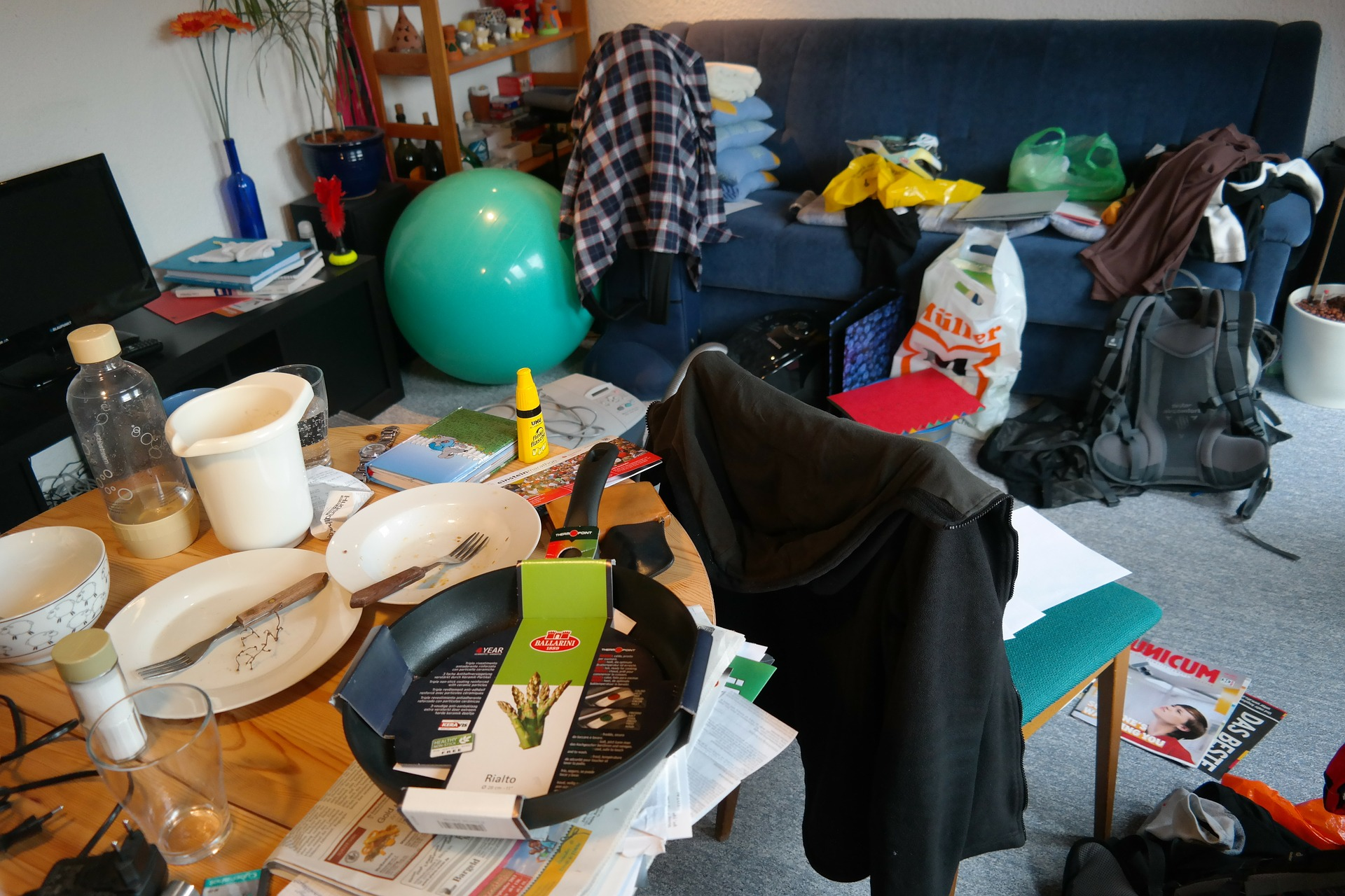 My Resolution For This Year: Decluttering And Organizing